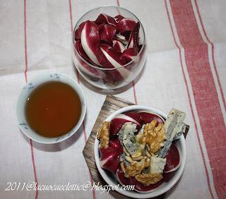 Insalata con radicchio, mele e gorgonzola