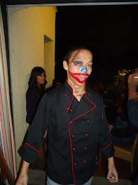 toto, un excelente cocinero y aqui,  un creepy clown jeje