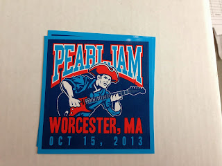 Pearl-Jam-Brandon-Heart-Worcester-Sticker-night-one.jpg