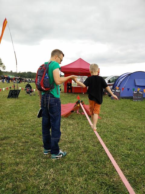 Slack Lining Farm Fest 2015