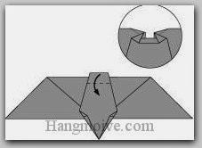 Bước 8: Gấp cạnh giấy xuống dưới.