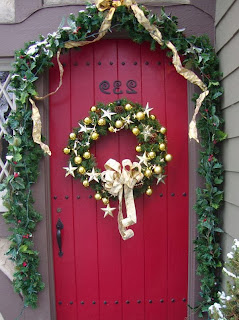 Every day is special december 19 knocking nights in germany for 12 days of christmas door decoration