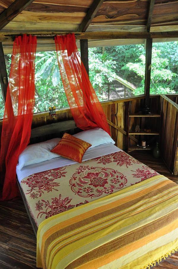 Kamar Tidur Diatas Pohon