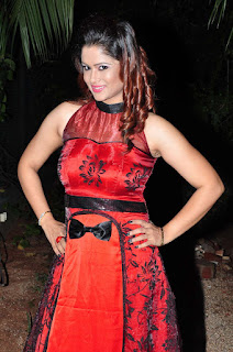 Shilpa Chakravarthy in Spicy Dark Red Sleevless Evening Gown Appudala ippudila audio launch event