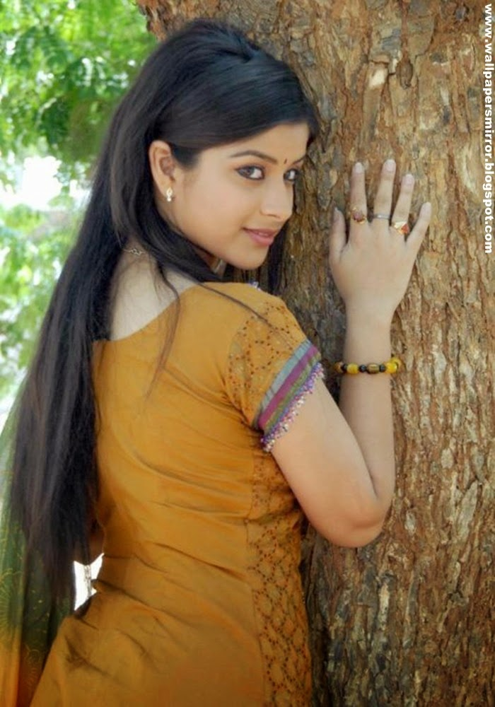 south actress madhurima sexy photoshoot