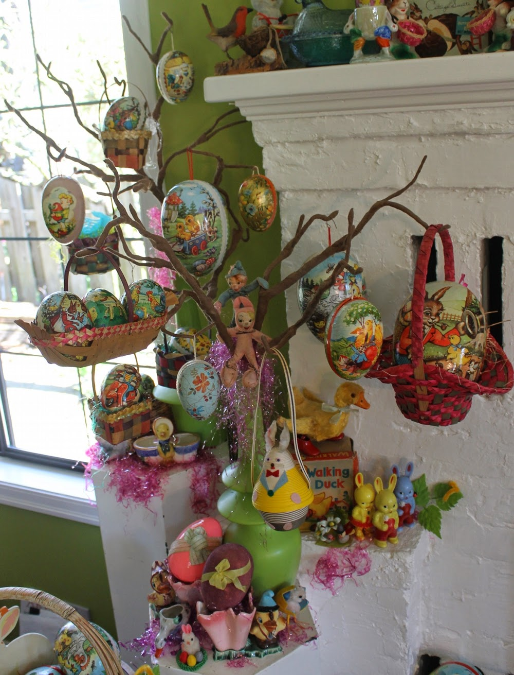 Happy holidays some of my vintage easter decorations for Decoration retro