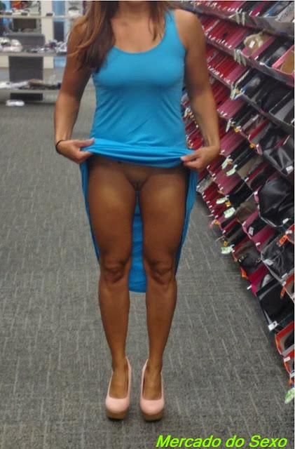 Gambar Bugil Membeli sepatu baru Dan Pamer Vagina