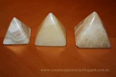 pirámides, velas,cera,manley,decoración,DIY, manualidades,