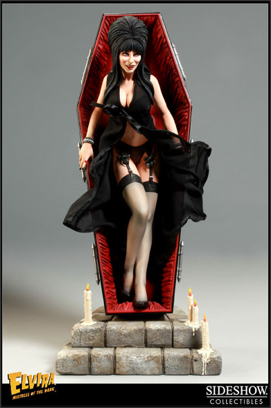 Action Figure Elvira Rainha das Trevas