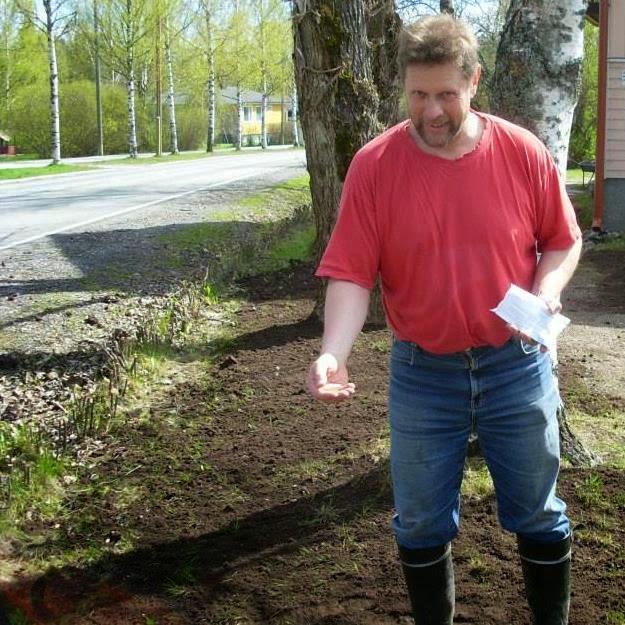 Pihatyöt vanhojen nurmikoiden elvyttämisistä salaojaputkien laittoon pihapuiden kaatoihin Espoossa