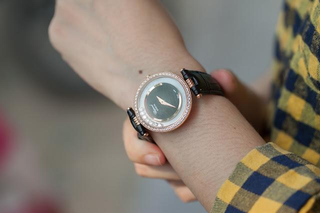Đồng hồ nữ dây da bản to chopard