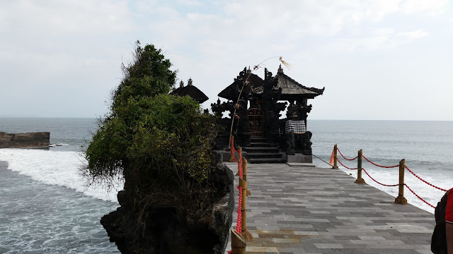 Pura Batu Bolong (Bali)