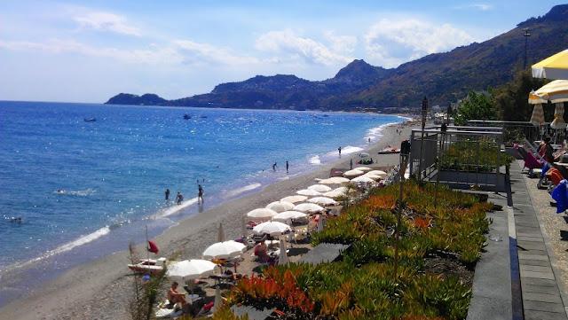 Paradiso Beach Club in Letojanni  |  Fratelli d'Italia  |  *sparklingly [http://www.sparklingly.blogspot.com]