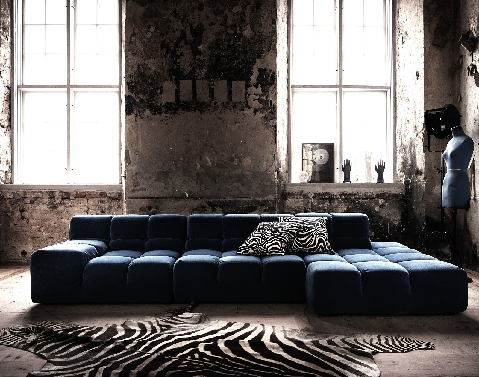 Walls more exposed on pinterest exposed brick brick for Distressed brick wall mural