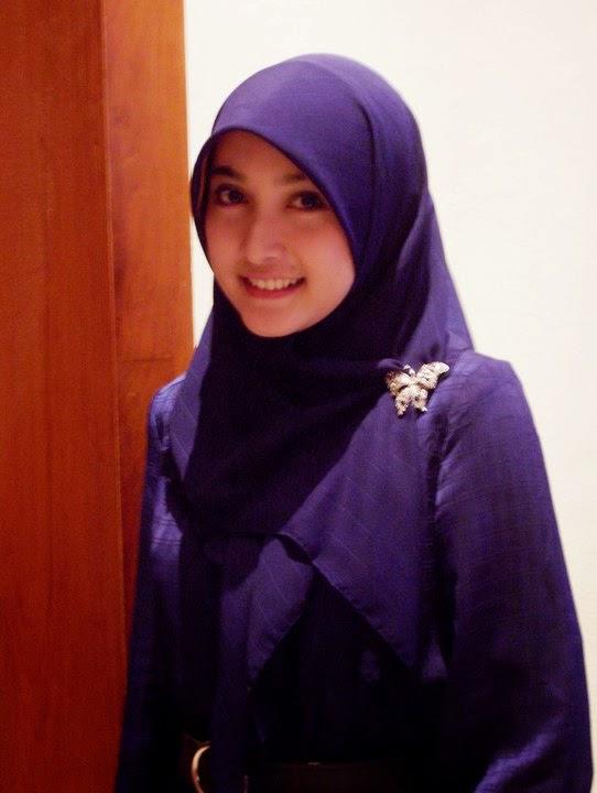 Wanita berjilbab mesum hot terbaru Pic 15 of 35