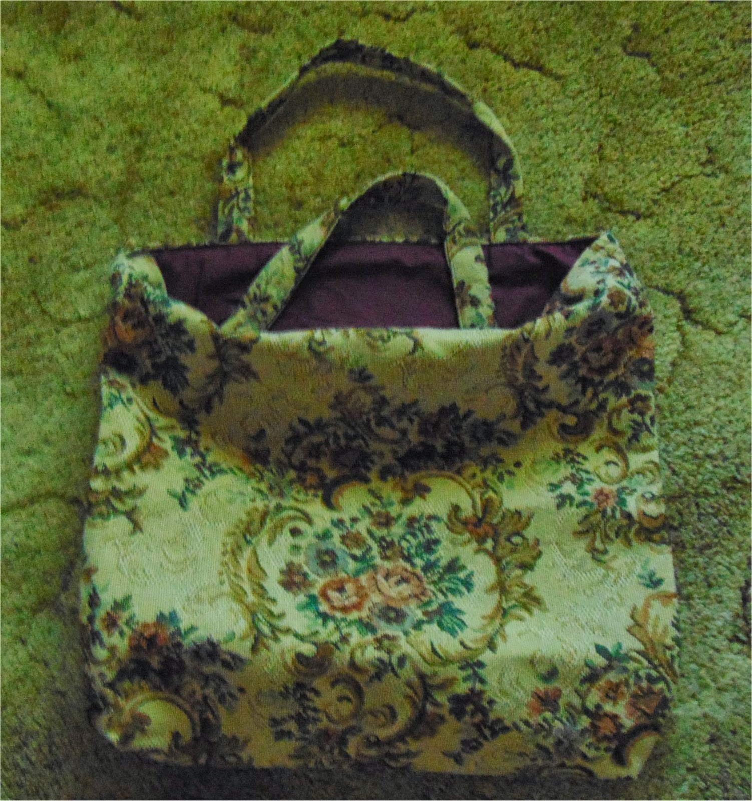 Tote bag made of upholstery fabric with fall flowers