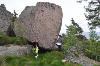 Gua Ritual Kuno Ditemukan di Pulau Penyihir
