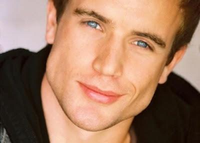 Fotos De Artistas Lindos Homens Bonitos Olhos Azuis