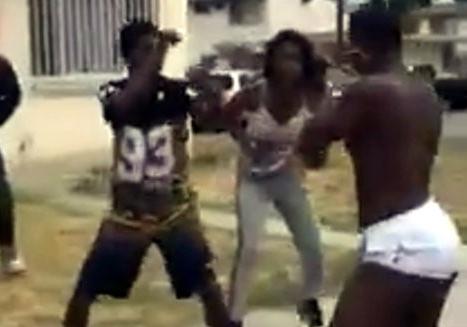 La Pelea de un Trasvesti en el Ghetto
