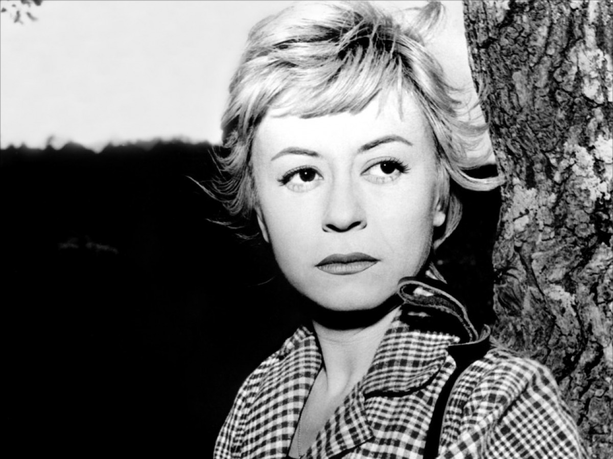 fellini s nights of cabiria vs la Giulietta masina won best actress at cannes as the title character of one of fellini's most haunting films oscar winner for best foreign language film, nights of cabiria (le notti di cabiria) is the tragic story of a naive prostitute searching for true love in the seediest sections of rome.