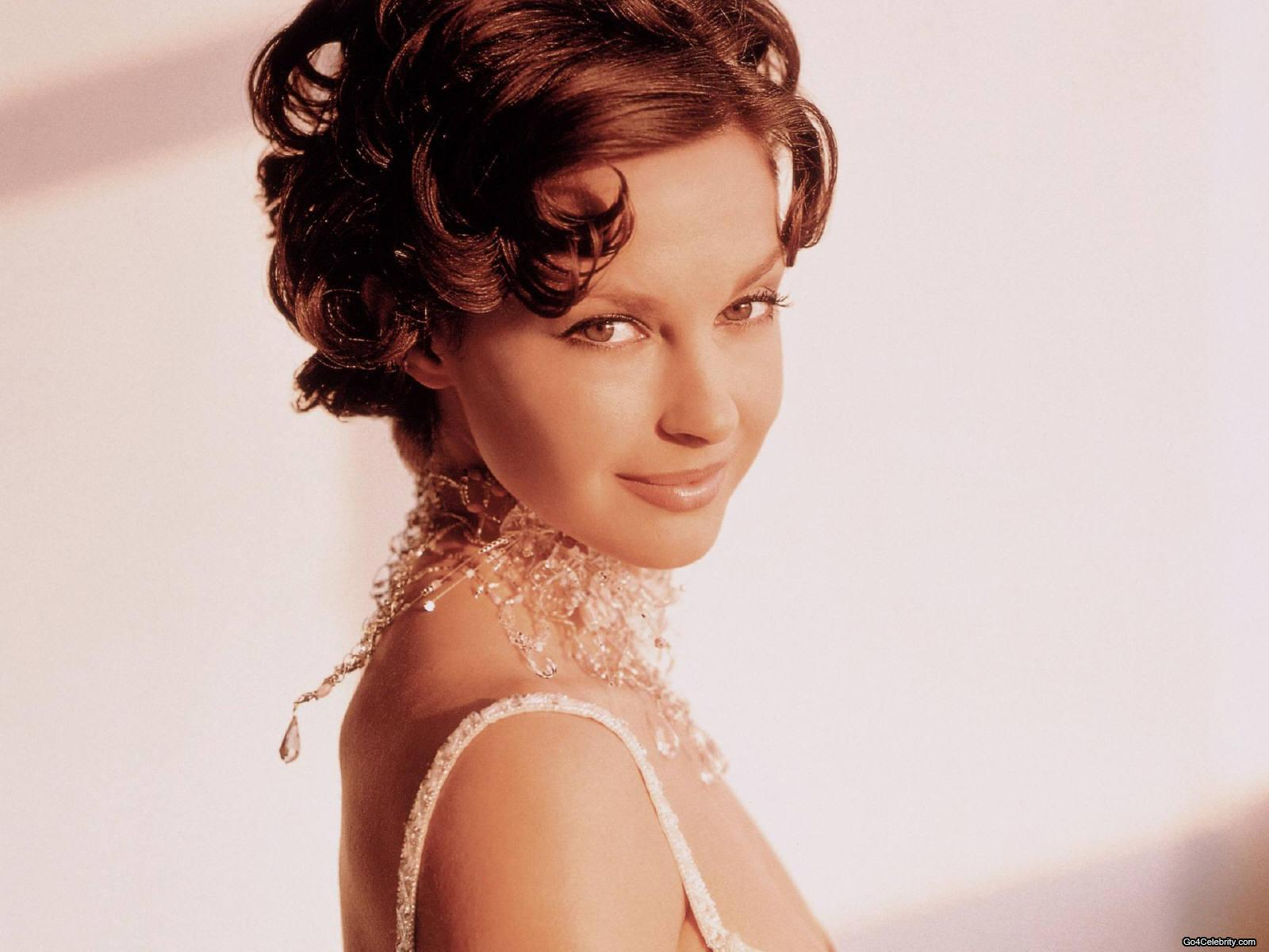 Fotos atractivas de ashley judd