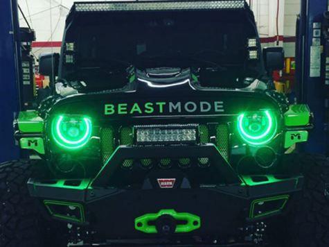 Modifikasi Jeep Hitam Gagah
