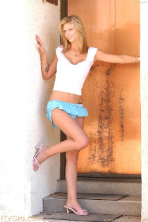 Horny and twerking - sexygirl-brooke2_3-783388.jpg