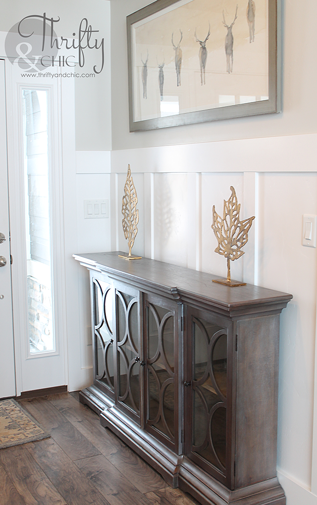 Entryway decorating idea and model home tour