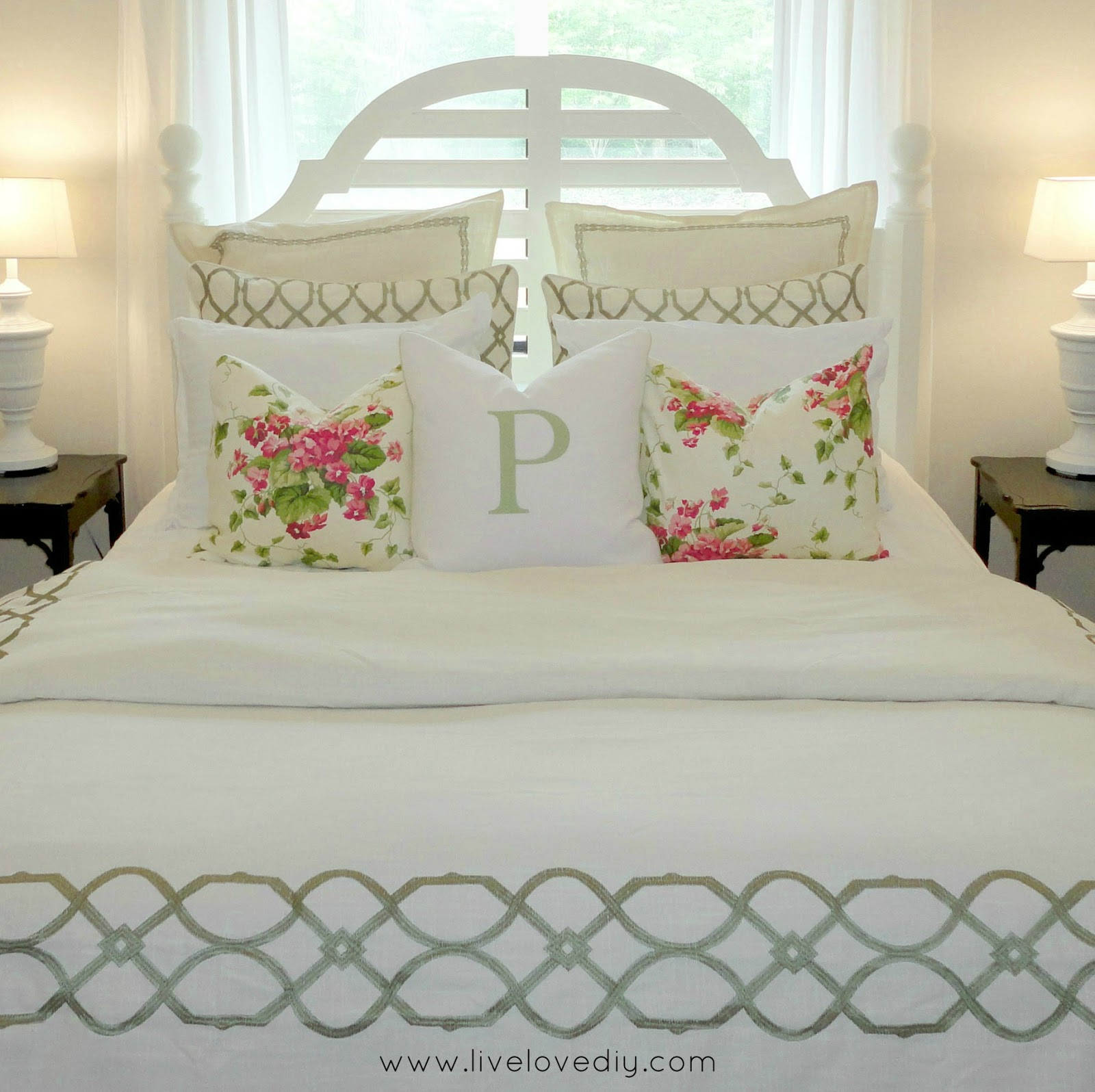 For Decorating A Bedroom Livelovediy Decorating Bedrooms With Secondhand Finds The Guest