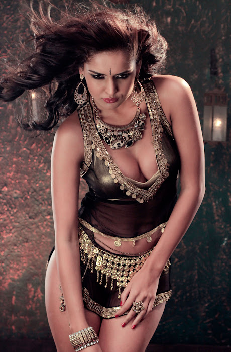 nathalia kaur from department movie, nathalia kaur hot images