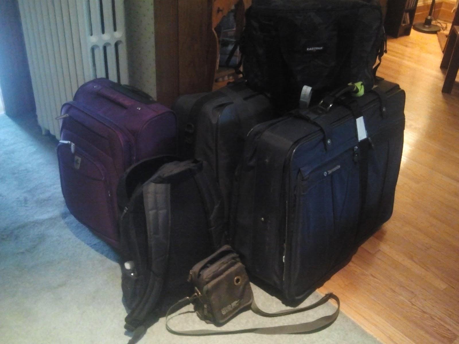 mamy framboise montreal le casse t te des valises. Black Bedroom Furniture Sets. Home Design Ideas