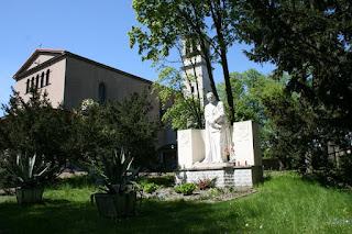 Pomnik św. Eugeniusza de Mazenod