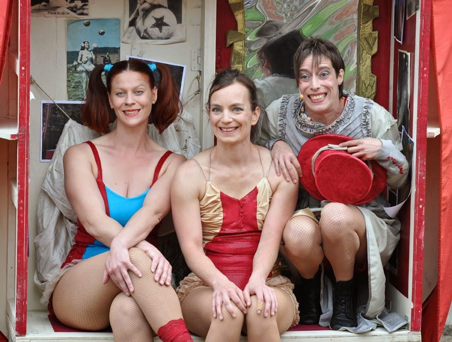 Paula Busch und ihre Tänzerinnen