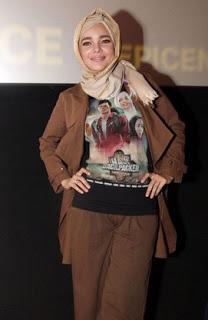 Model Hijab Modern Ala Dewi Sandra Terbaru