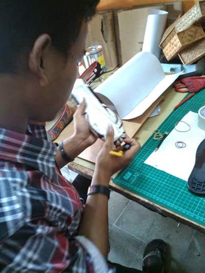 pelatihan membuat pola sepatu
