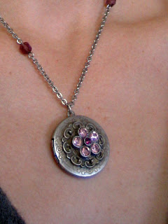Express jeweled locket