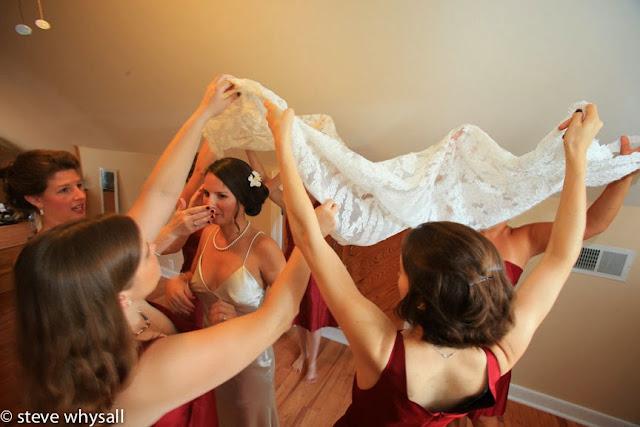 868 Vineyard Bride Getting Ready