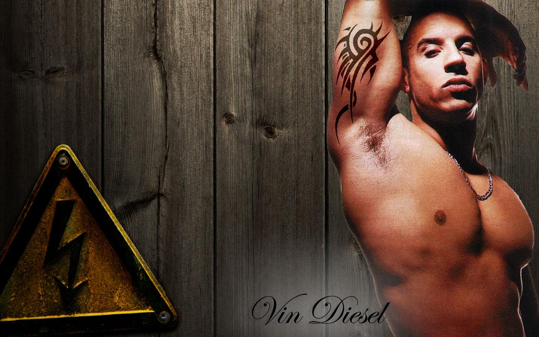 http://2.bp.blogspot.com/-wsMdUFsf4RQ/URgGcYiO1tI/AAAAAAAABA4/Sghh-TWftZM/s1600/Vin+Diesel+Wallpapers+HD+-+Biceps+Tattoos-709233.jpg