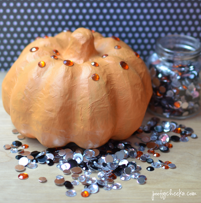 Easy DIY Fake Rhinestone Pumpkin