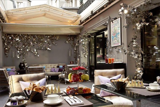Luxury life design top 10 romantic hotels in paris for Hotel jardin de la villa