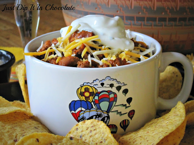New Mexico Chili con Carne Recipe, the comnfort food of choice when the weather is getting colder, for tailgating parties, at home football gatherings In one word, this is a  Fall Winter staple!