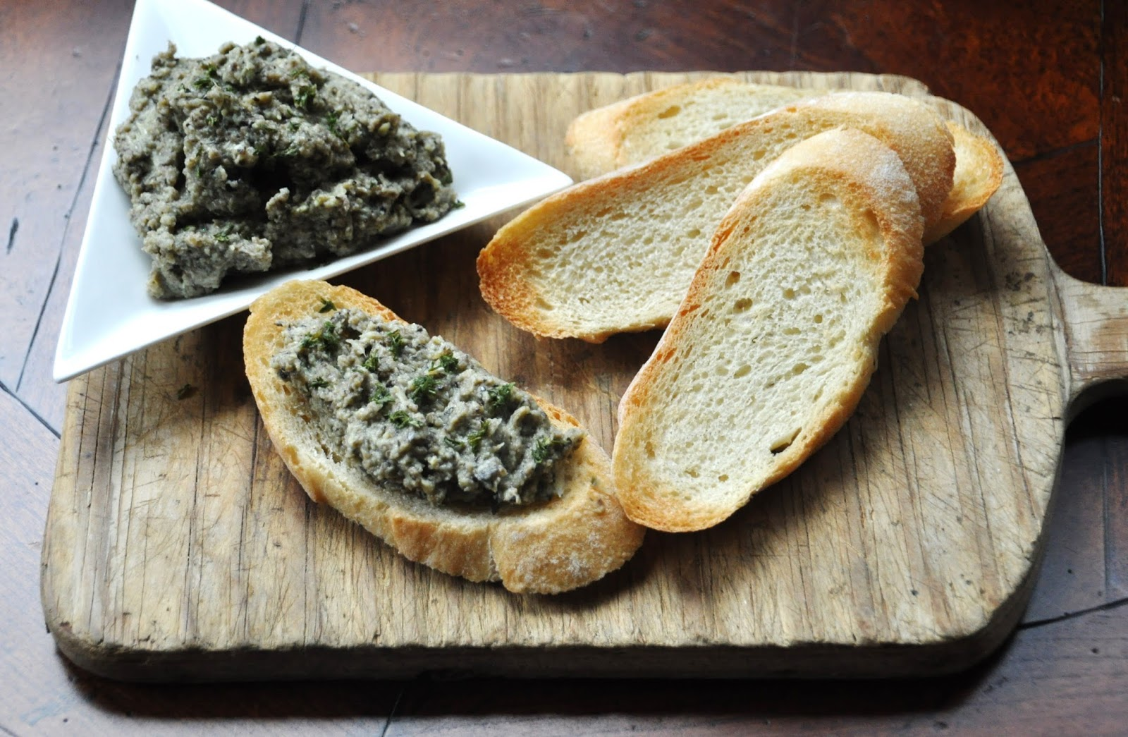A LA GRAHAM: ARTICHOKE-OLIVE TAPENADE ON CROSTINI