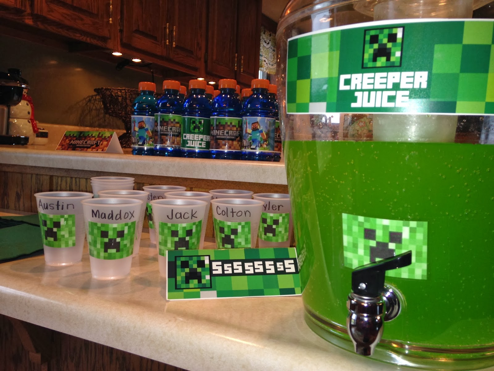 What Meal To Serve A Minecraft Cake With