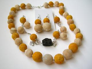 biżuteria z półfabrykatów - koral matowy (komplet + bransoletka z lawą)