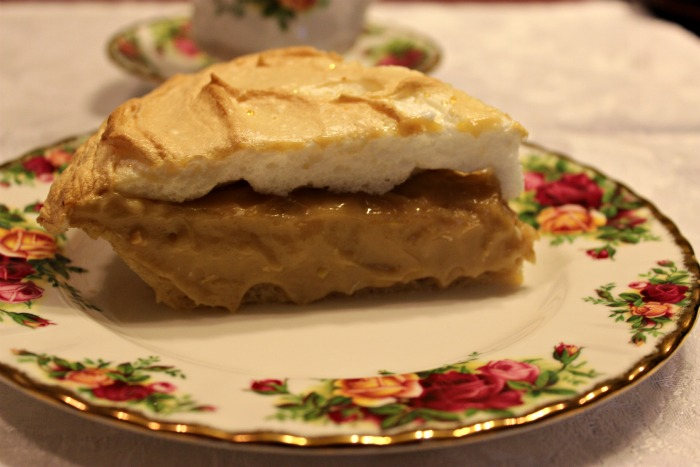 Sweet Tea and Cornbread: Southern Peanut Butter Cream Pie!