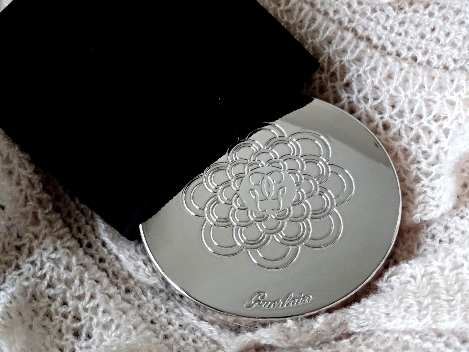 Guerlain Meteorites Compact Medium 03 Guerlain les Tendres spring 2015 collection