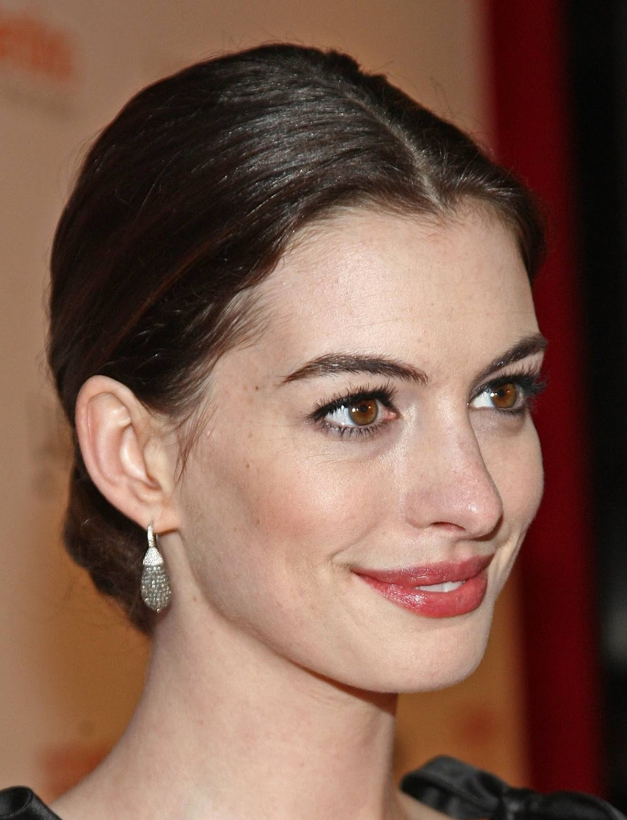 Hair & Beauty: Anne Hathaway Hairstyles 03