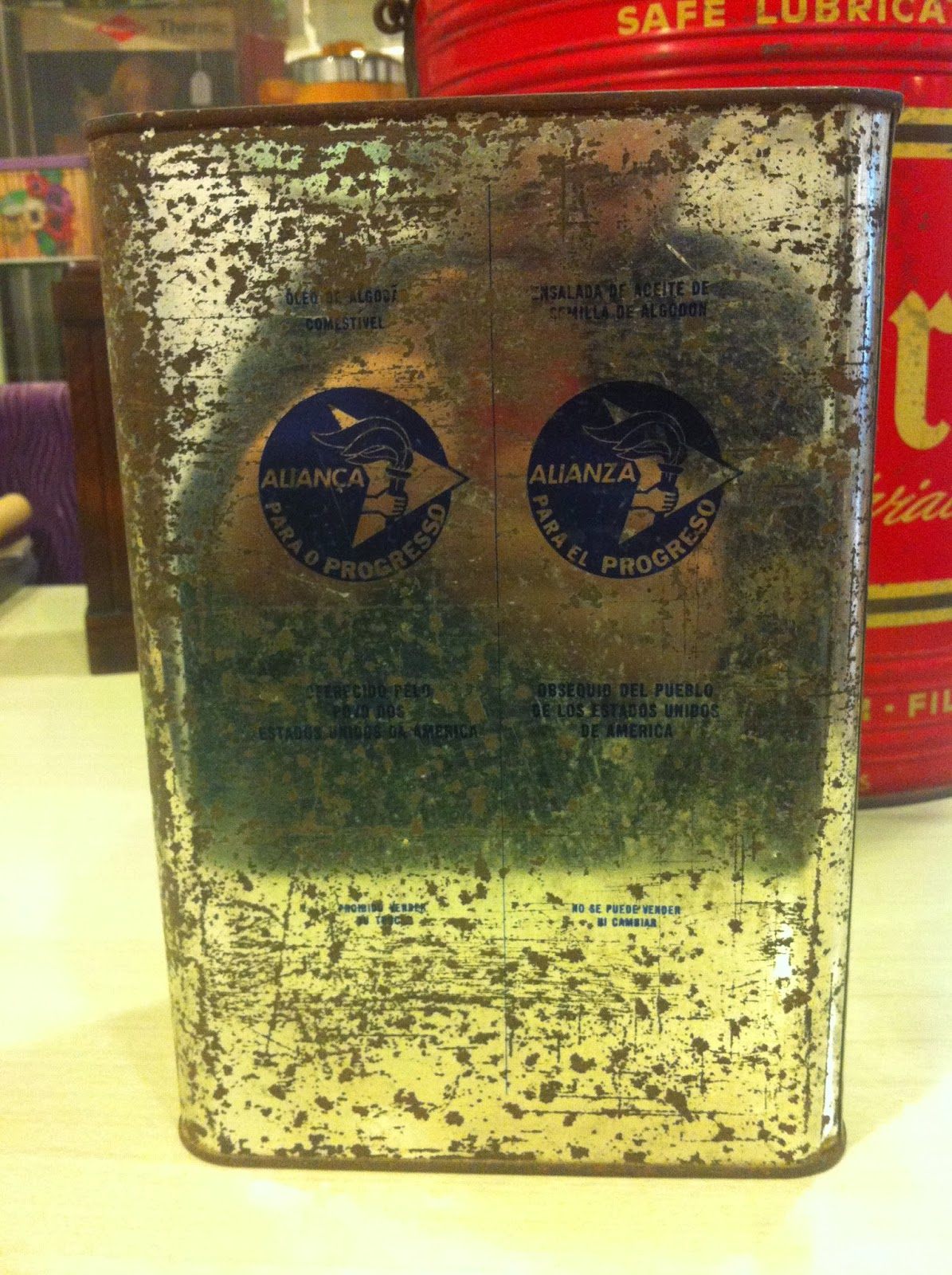 Decoraci n vintage antiguitats baraturantic lata de - Decoracion retro americana ...