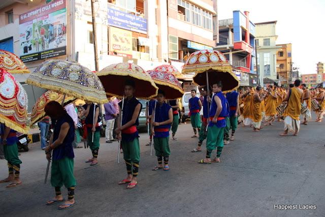 Udupi Paryaya 2016-18 Pura Pravesha Pejawara Swami 21