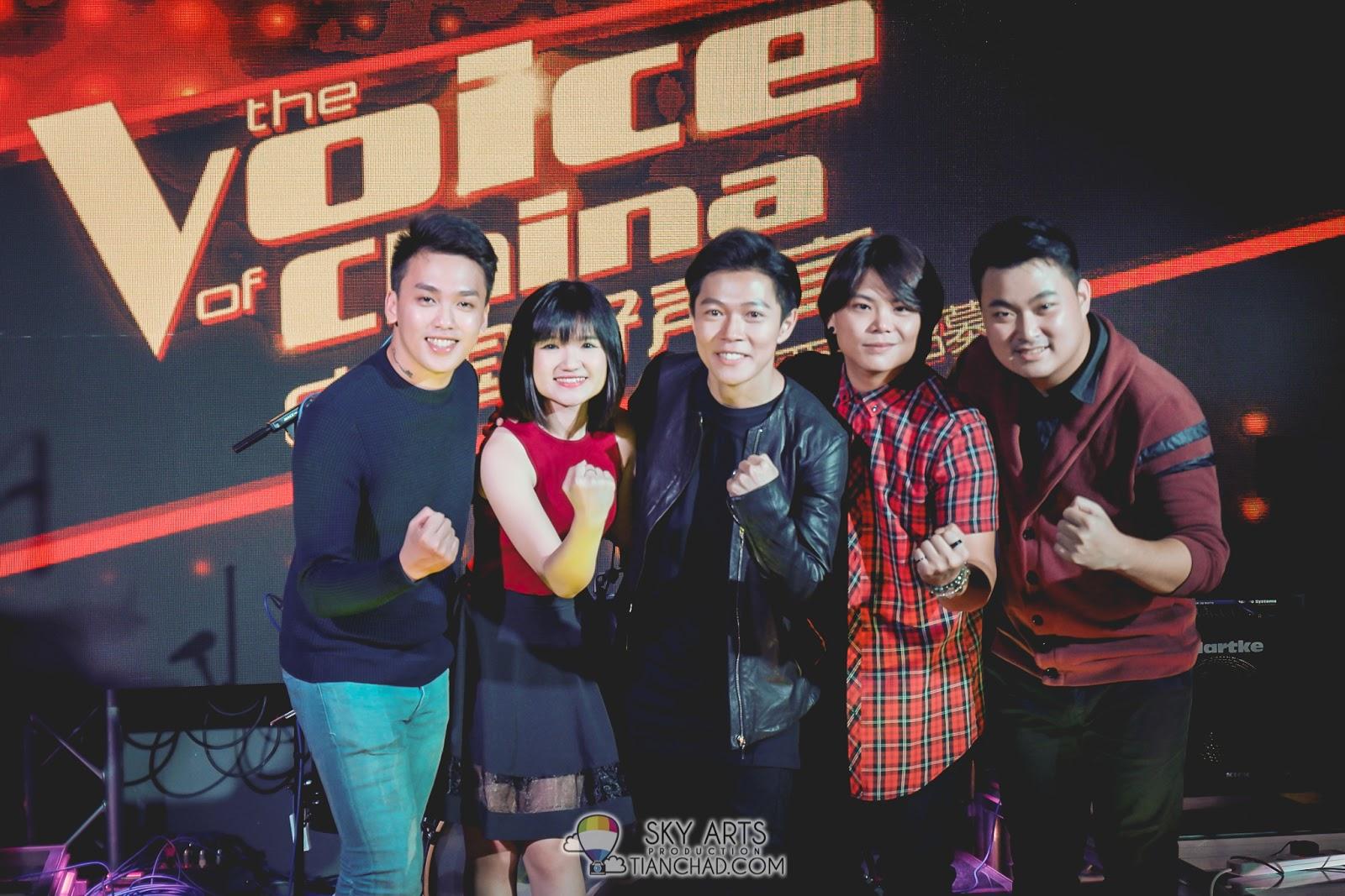 《中国好声音-马来西亚招募站》5强参赛者一同合影(左起)高泉铭、郭佩珊、张诒博、林国伟,以及车子。